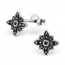 Flower - 925 Sterling Silver Ear Studs with Zirconia stones A4S30810